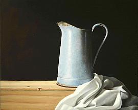 Blauwe kan en witte doek