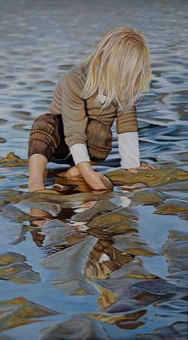 Meisje op strand Noordwijk